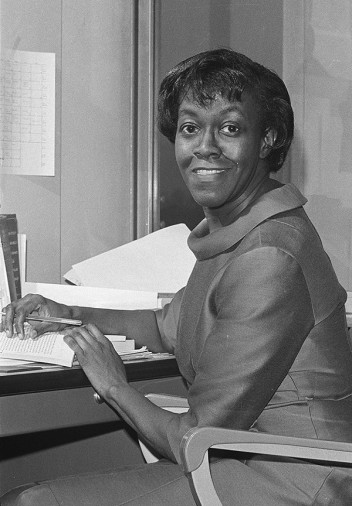anc_lit-centennial_brooks-gwendolyn_brooks-900
